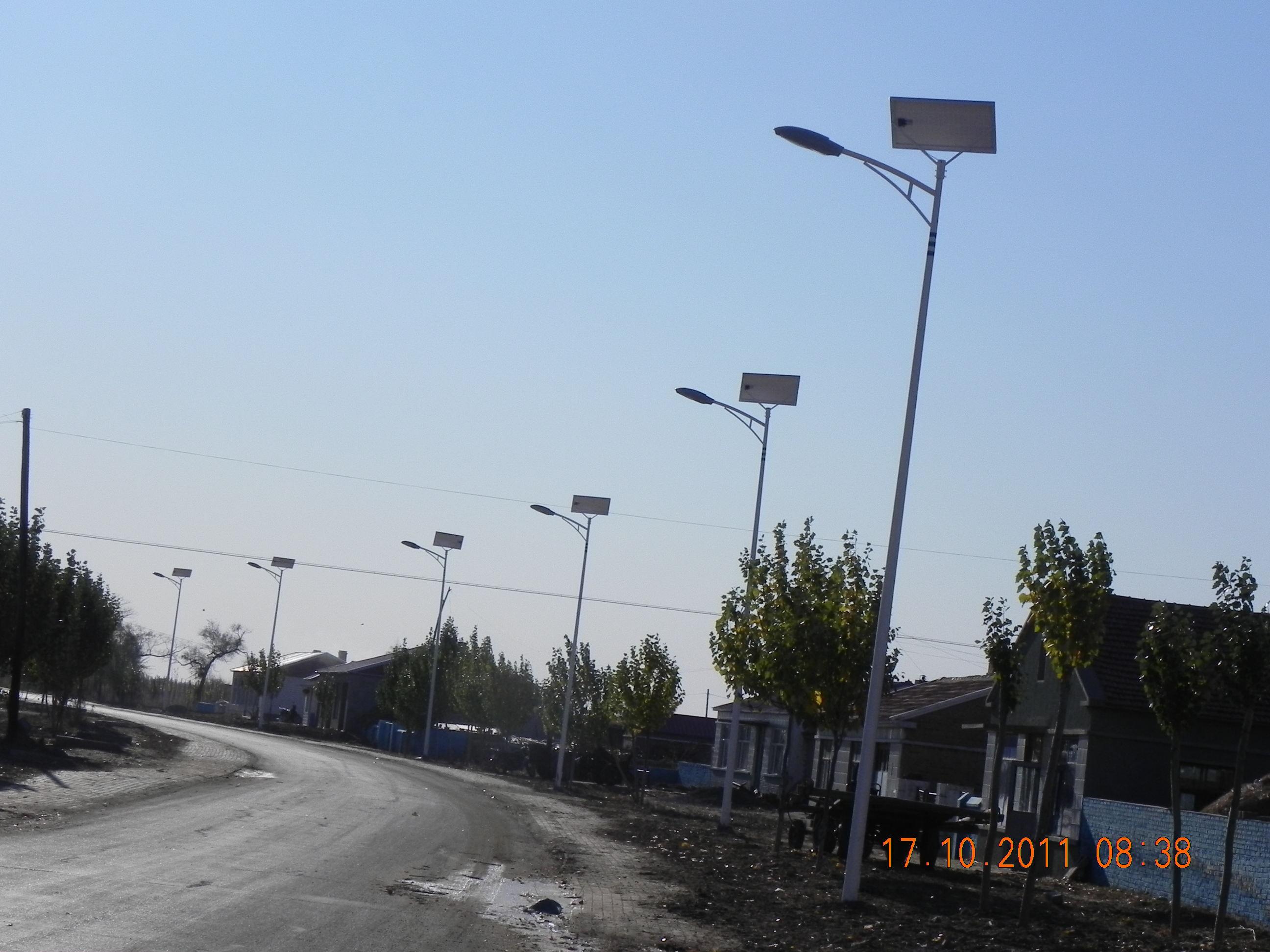 聶拉木縣太陽能路燈價格多少/廠家安裝電話