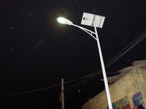 焦作6米太阳能路灯/太阳能路灯安装价钱