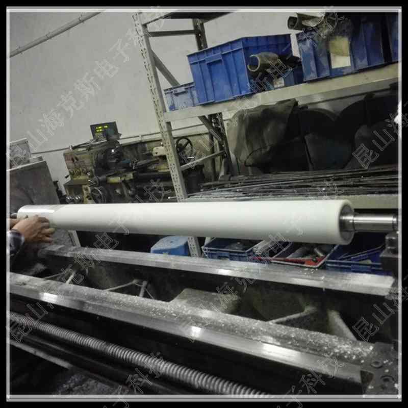 免刀机用PP粘尘滚筒400mmx20M多规格pp粘尘纸卷