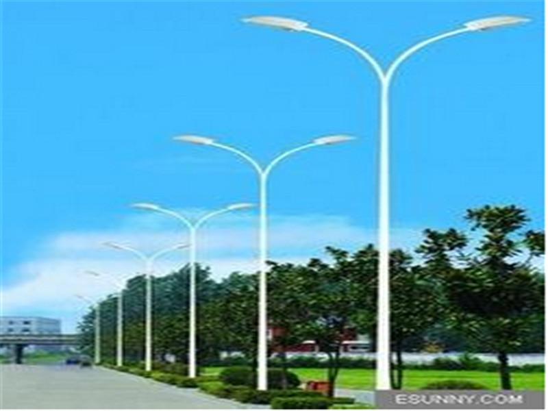 無錫太陽能路燈***格-太陽能路燈廠家電話