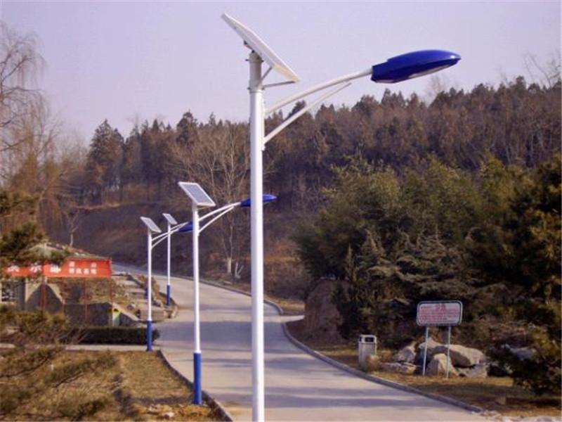 麦盖提县太阳能路灯***厂家-太阳能路灯安装价格