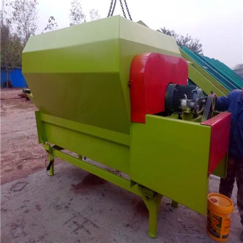 厂家定做养牛场用的5方卧式TMR饲料搅拌机 草料混合机