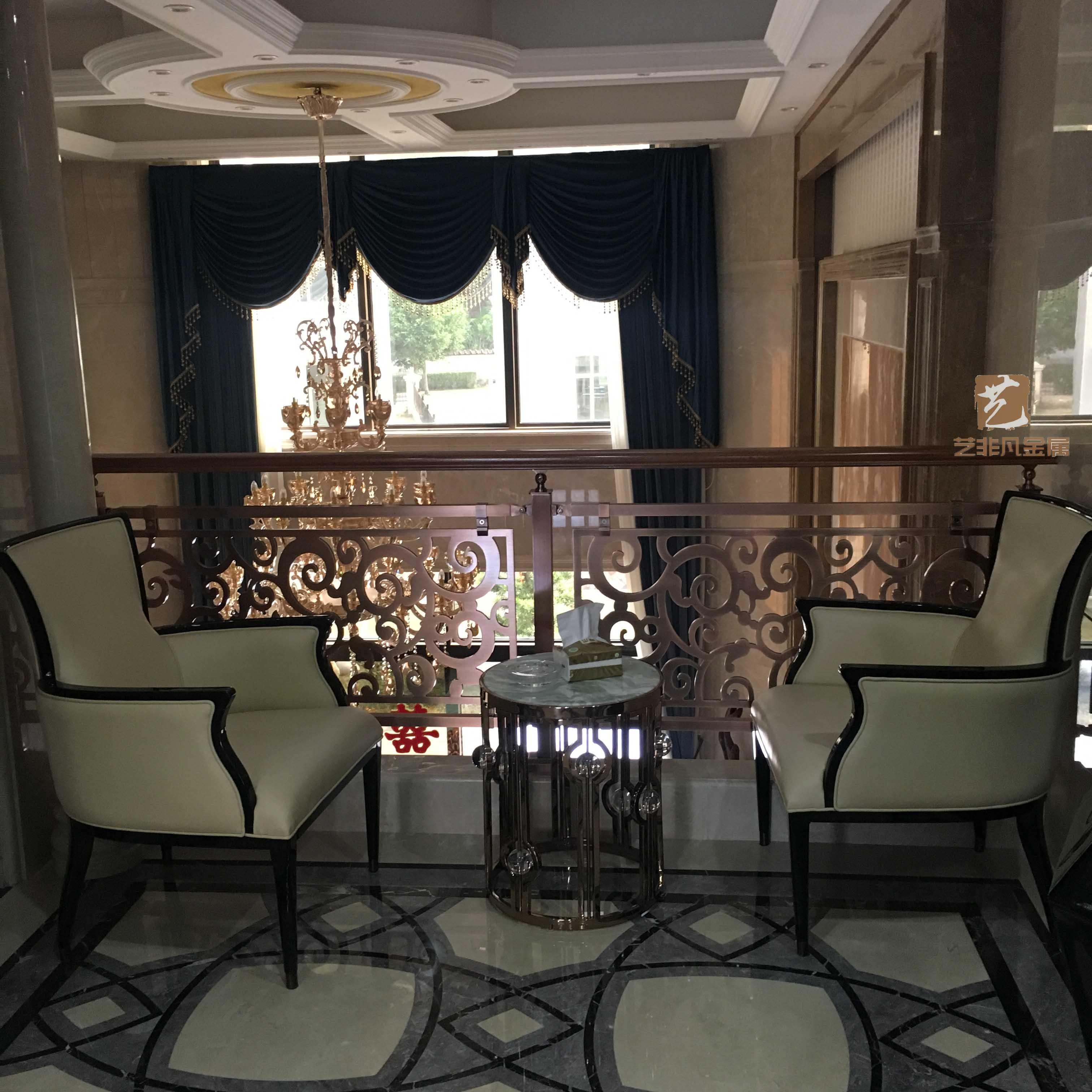安徽滁州銅藝別墅樓梯扶手裝飾彰顯出***格調