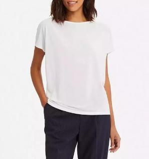 白色T恤如何搭配?让你眼前一靓。