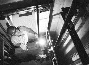 南通廢舊電梯設備回收南通一噸電梯回收