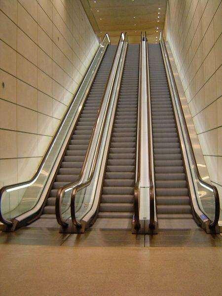 高淳自動扶梯回收公司高淳2噸電梯回收