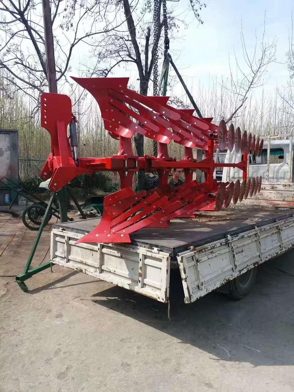 嗍州液压翻转犁大型拖拉机牵引带合商器犁 栅条犁