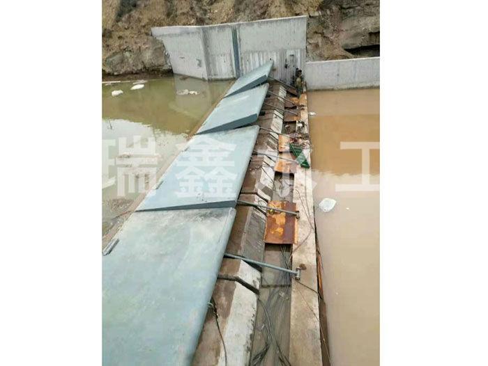 吉林水力自控翻板闸门定做瑞鑫水工