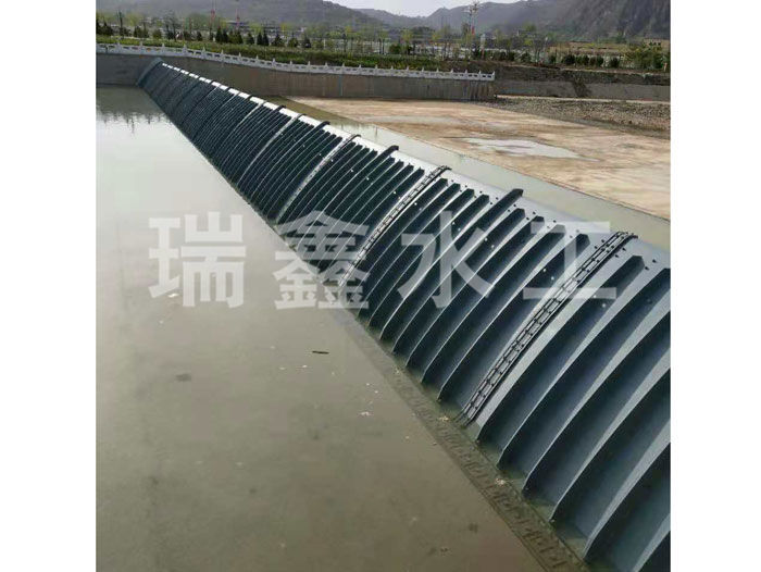 广西水力自控翻板钢闸门定做瑞鑫水工
